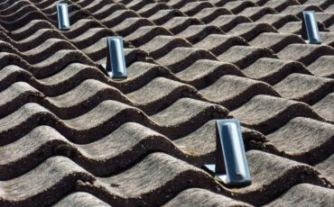 Why You Should Never Hire a Fly-by-Night Dayton Roofing Contractor